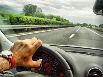 vozitni-duke-kursyer